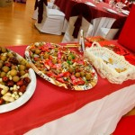 Mesa con aperitivos para boda china